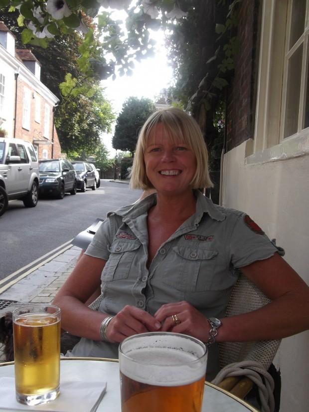 Jenny Kirwan (me) outside The Vine Inn at luchtime in Winchester