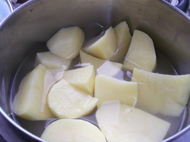 Peeled potatoes soon to become creamy mash potato
